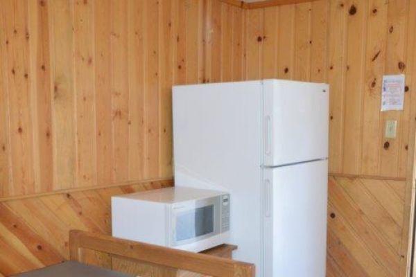 2-person-cabin-inside-1E4ADB426-D09E-5A90-4E86-AF0F4F28B5DE.jpg