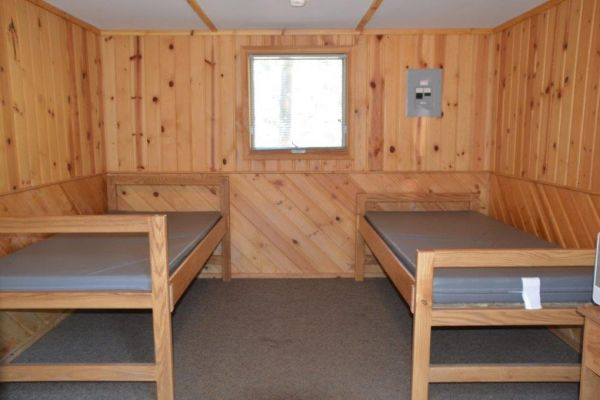 2-person-cabin-inside3E1FC139-6FB3-5646-CEA0-63E92E0BE608.jpg