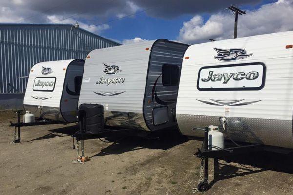jaco-trailersC7633B90-FD0D-05B6-055B-3B56D71AD84A.jpg